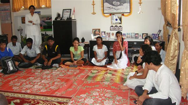 9 Youth Programme at Home