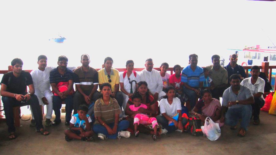 1 Group Photo at Pulau Ubin Jetty