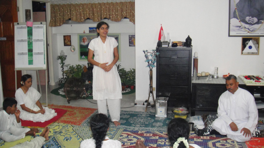 21 Mei Ganaselvi Agila Appadurai Sharing her Experience and Value of Meditation