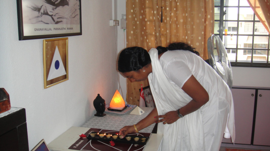4 Light Up Astha Deepam