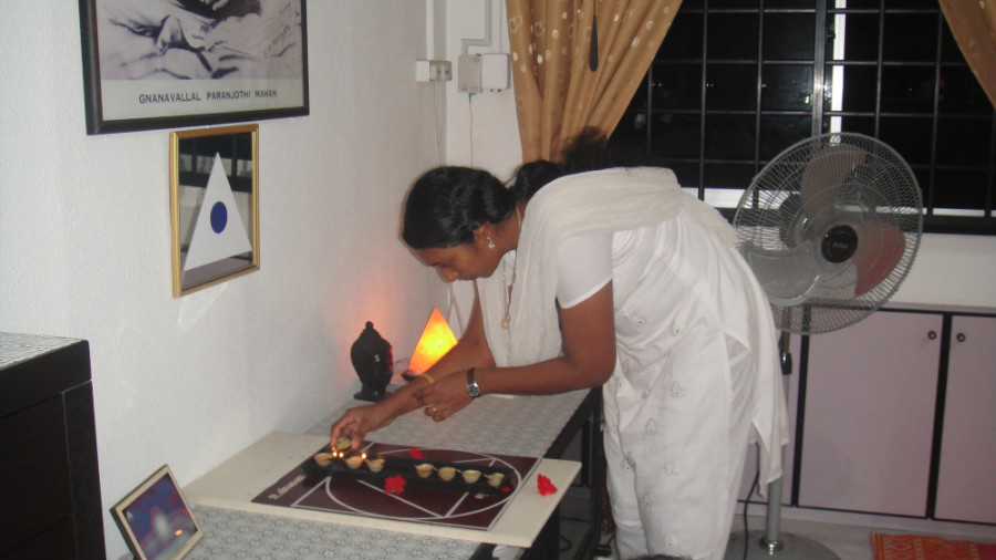 3 Light Up Astha Deepam
